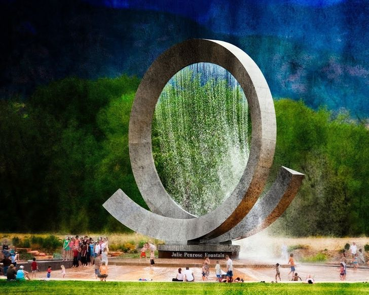 12 Next Level Fountains From All Over the World We Can't Stop Gazing At