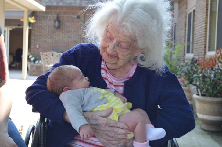 Why a Maternal Grandmother Is So Important for a Child