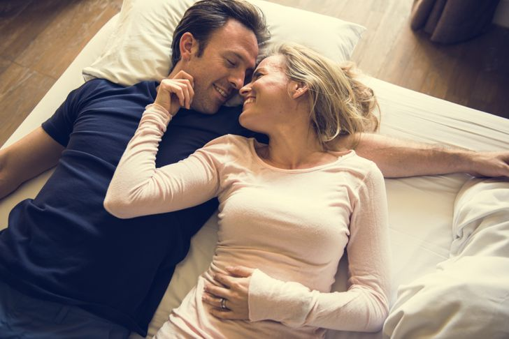 According to a Study Why Couples Should Go to Bed at the Same Time