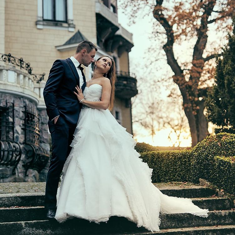 Wedding Photographers Experts Reveal the Major Signs a Couple Won't Last